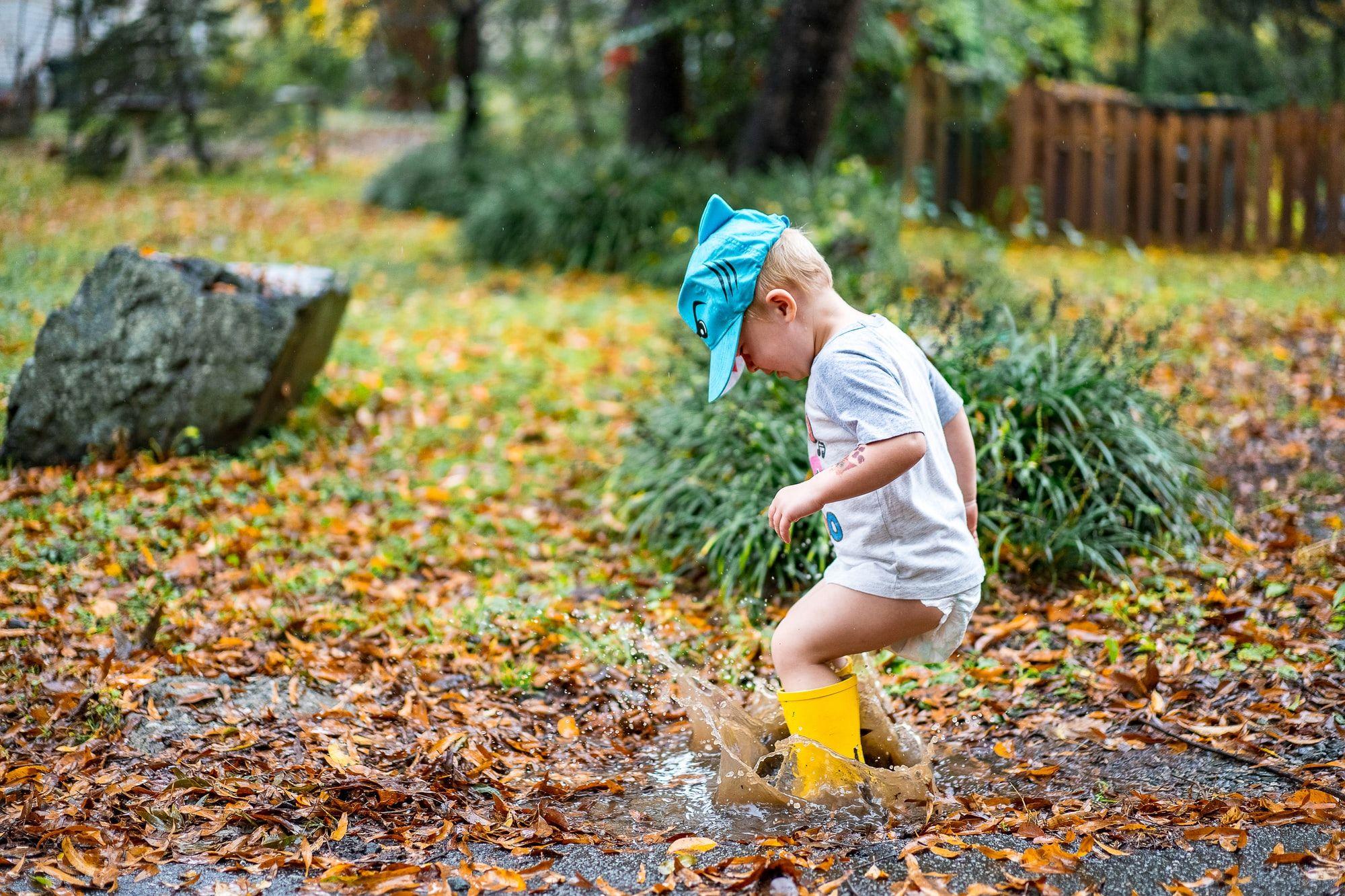 Cách tổ chức các hoạt động ngoài trời cho trẻ