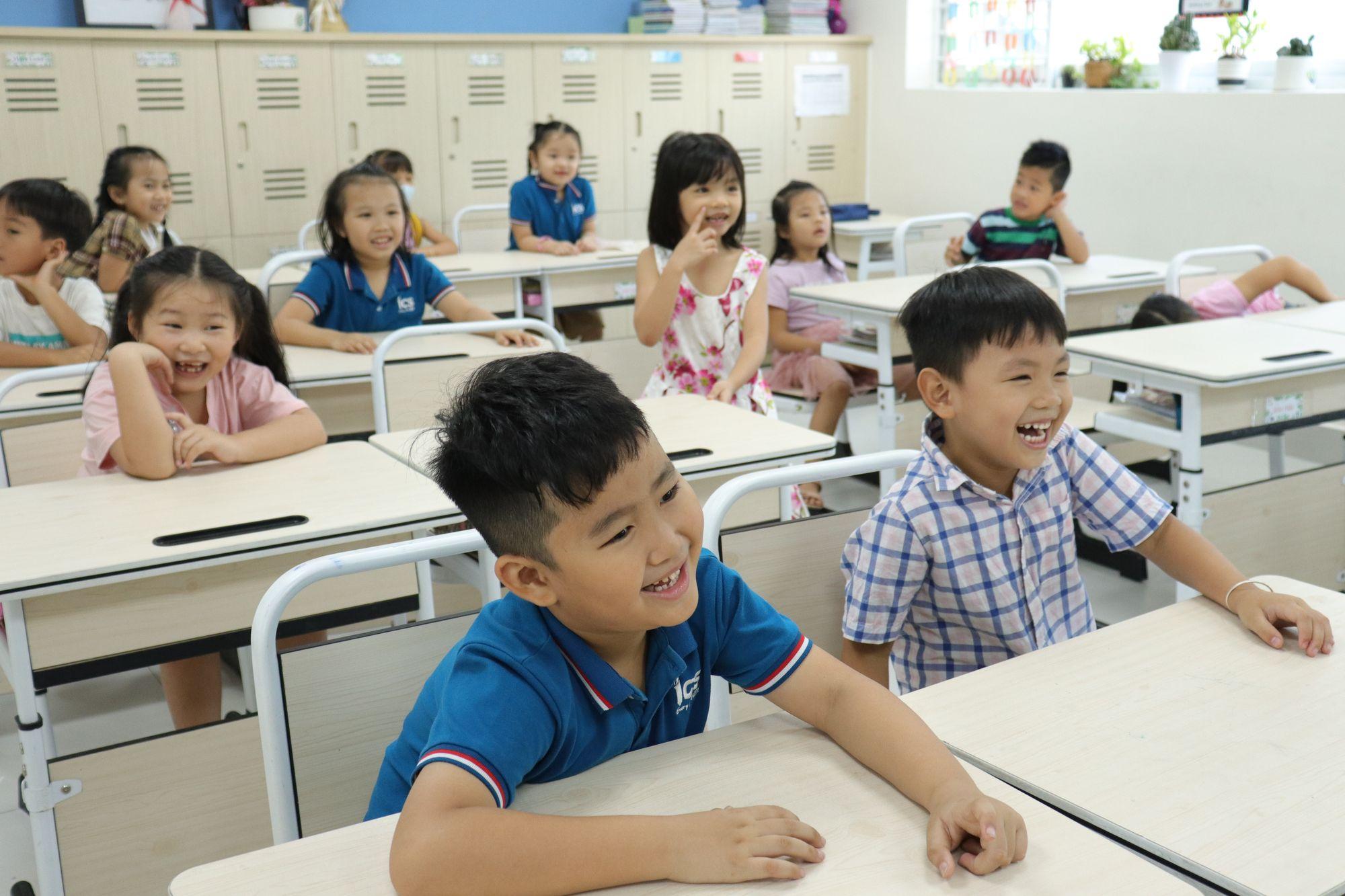 Học sinh hạnh phúc khi đến trường cùng Hệ thống Trường Mầm non - Tiểu học ICS